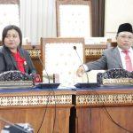 PENGUCAPAN SUMPAH JANJI DPRP 2019-2024/13