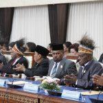 PENGAMBILAN SUMPAH JANJI ANGGOTA DPRP 2019-2024_23